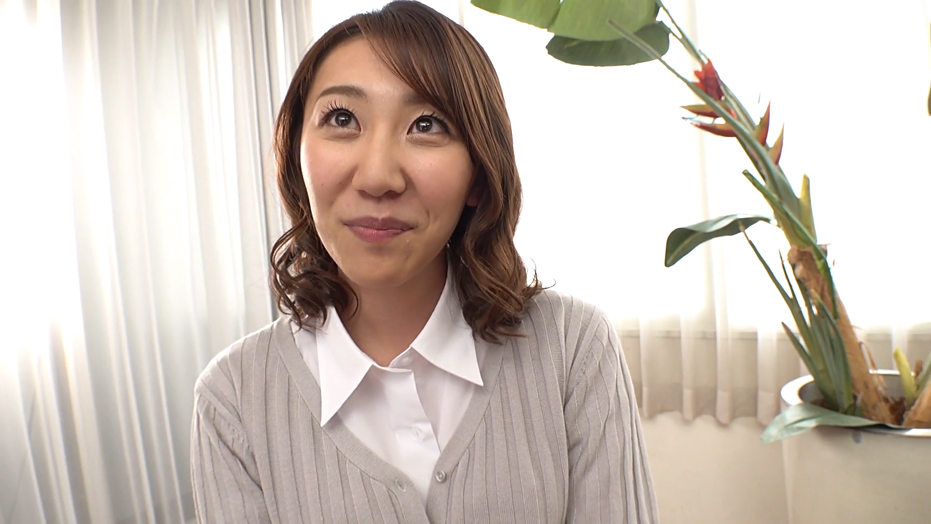 前川美鈴 32歳 (初脱ぎ・デビュー作 /人妻  /会社事務パート )